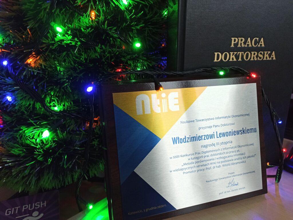 Награда 3 степени за кандидатскую диссертацию «Метод сравнения и обогащения информации в многоязычных вики, основанный на анализе их качества»